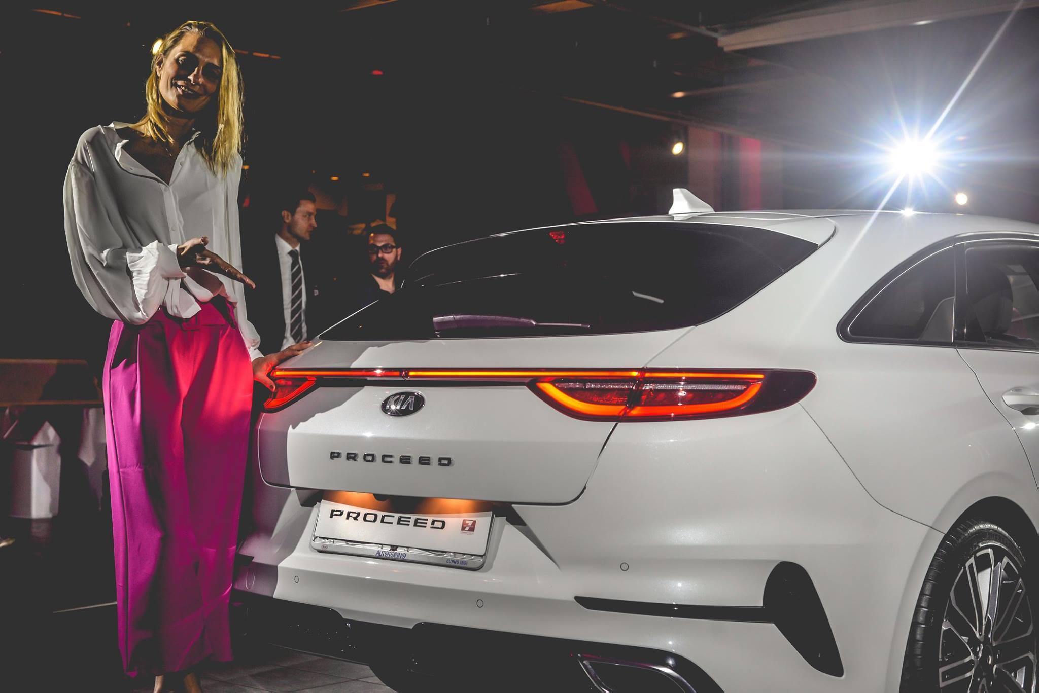 Maurizia Cacciatori ha svelato la nuova Kia ProCeed