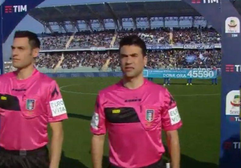 Lo striscione esposto prima delle partite di Serie A