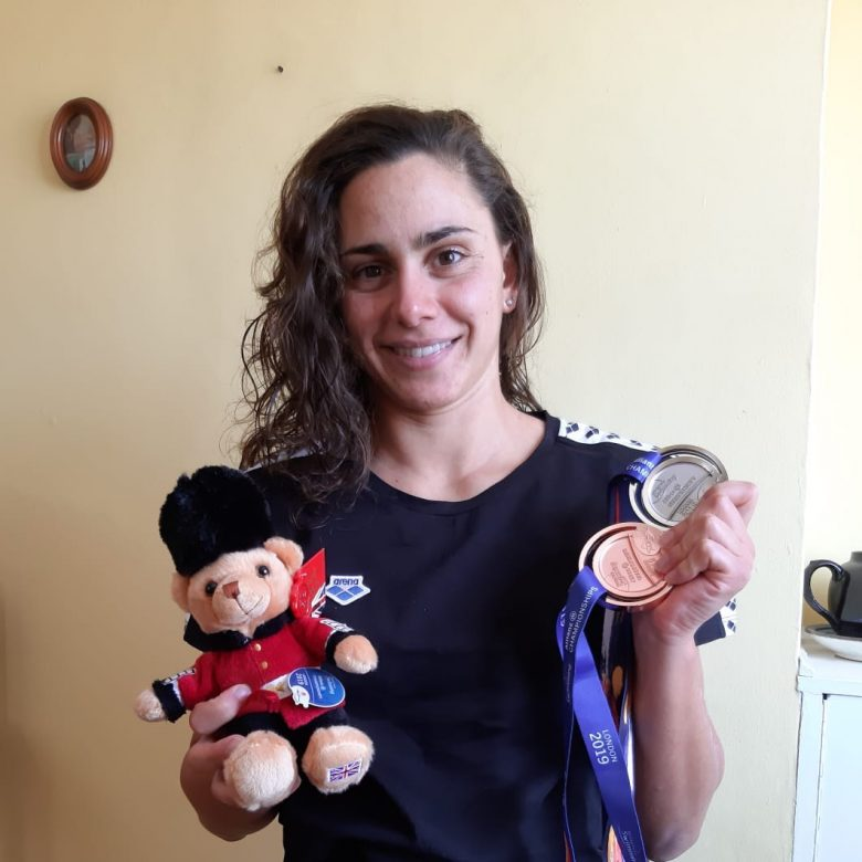 Ghiretti con le medaglie conquistate ai Mondiali Paraswimming